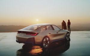 BMW i4 обещает 420 километров пробега и 520 л.с.