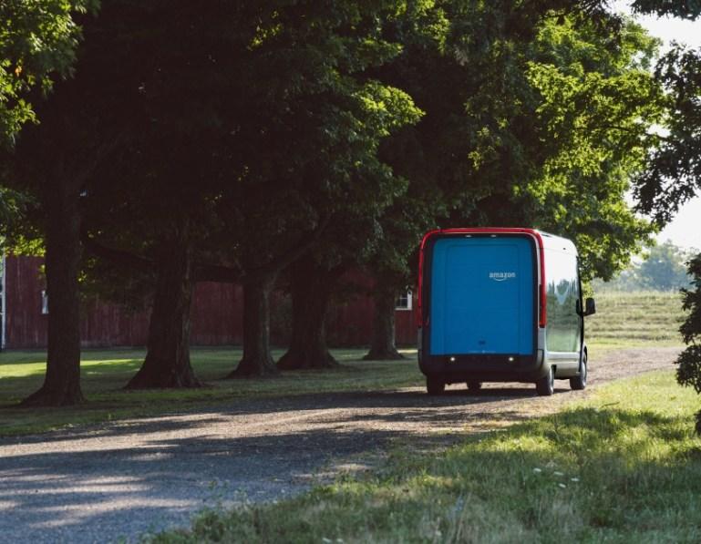Фургоны Rivian
