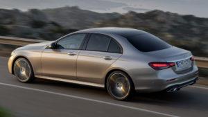 Mercedes-Benz E 350 eL с расходом топлива 1,4 литра на 100 км пути